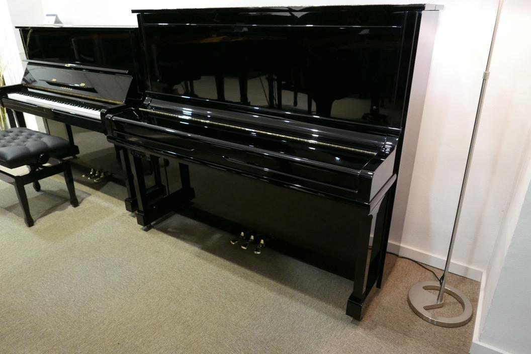 Piano_vertical_Yamaha_U30_silent_4972465_detalle_vista_general_sin_banqueta_tapa_cerrada_segunda_mano