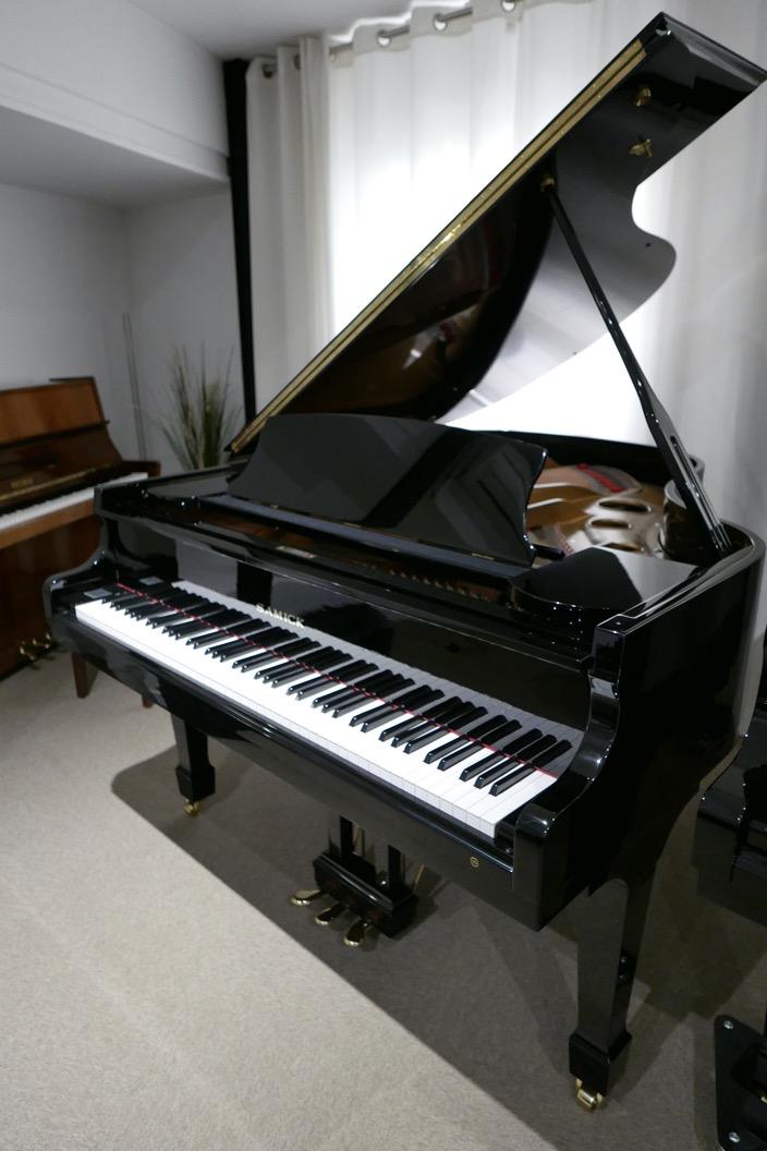 Piano_de_cola_Samick_8711217_detalle_vista_general_sin_banqueta_segunda_mano