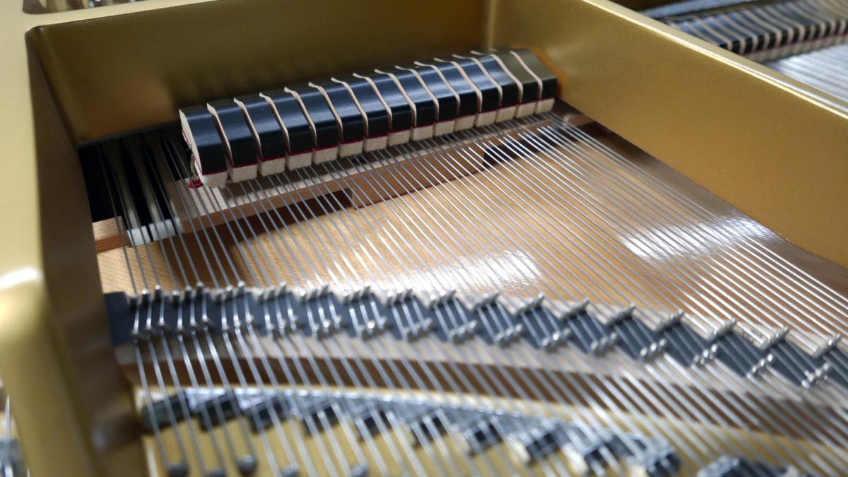 piano de cola Kawai GL50 #2735077 apagadores cuerdas martillos