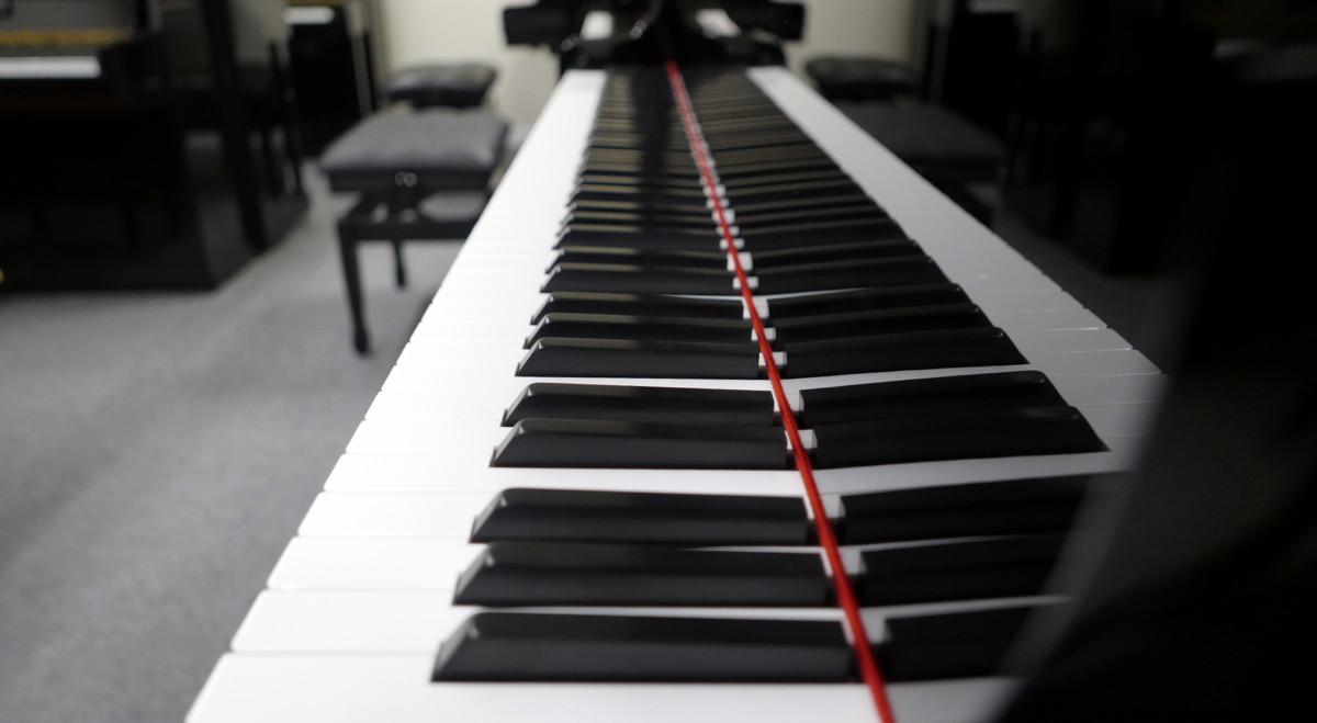 piano de cola Kawai GL50 #2735077 telcado teclas vista lateral