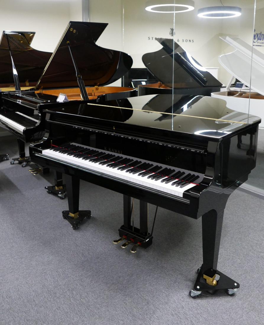 piano de cola Kawai GL50 #2735077 vista general tapa cerrada teclado abierto