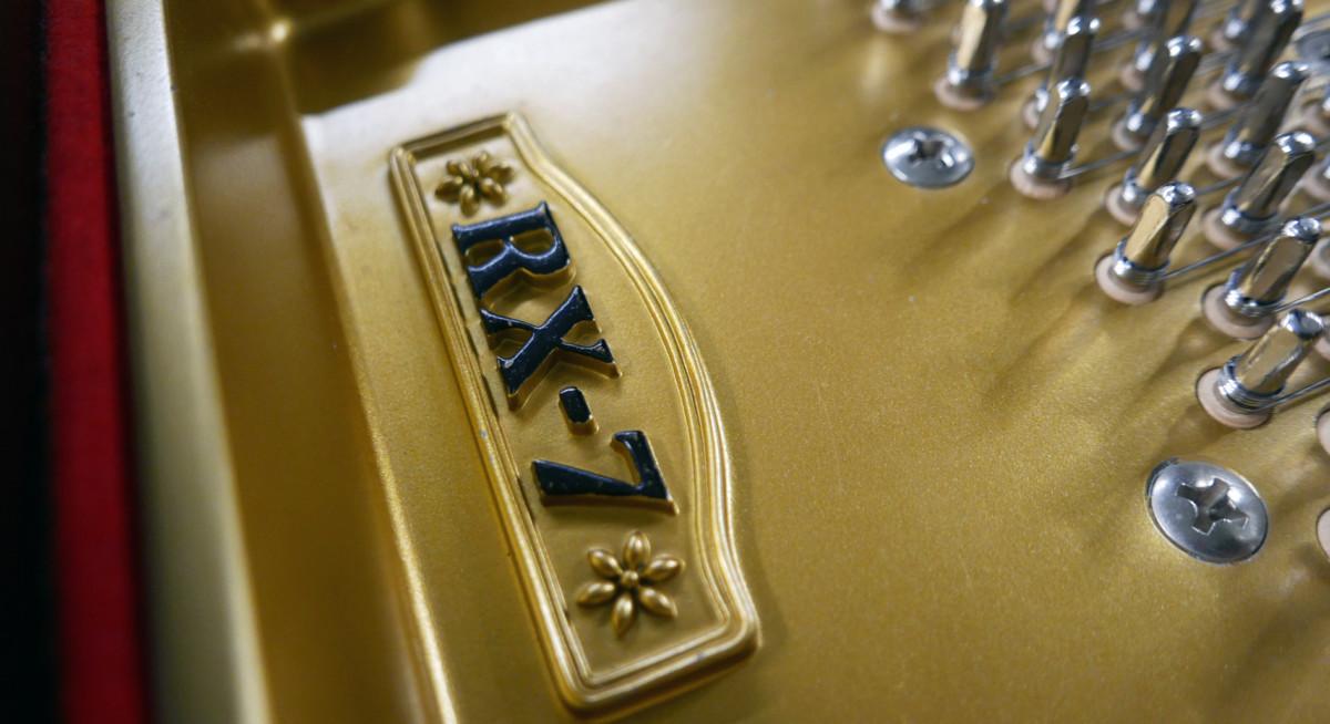 piano de cola Kawai RX7 #2286204 modelo firma arpa