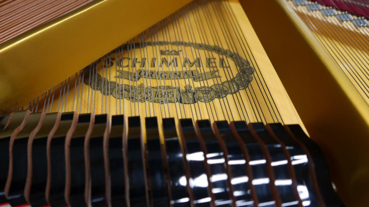 piano de cola Schimmel 150 #201910 marca tabla armonica cuerdas apagadores