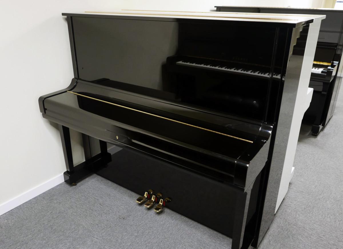 piano vertical Yamaha U3 #2911383 vista general tapa cerrada