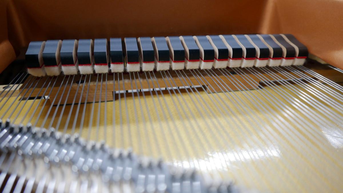 piano de cola Yamaha C6X #6350150 apagadores vista trasera