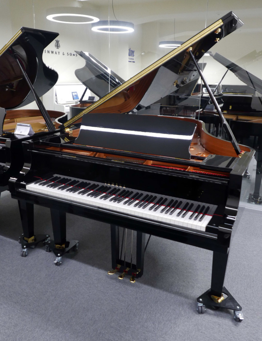 piano de cola Yamaha C6X #6350150 plano general tapa abierta