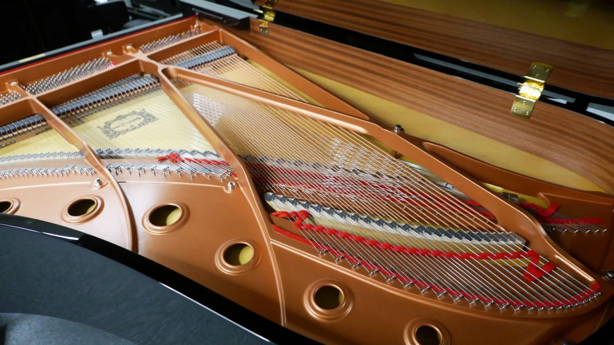 piano de cola Yamaha C6X #6350150 vista trasera lateral