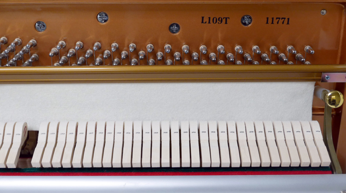 piano vertical König K109 #11771 numero de serie modelo mecanica interior