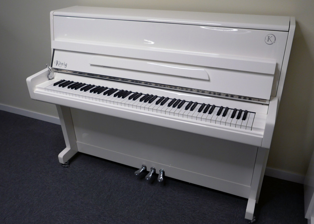 piano vertical König K109 #11771 vista general tapa abierta