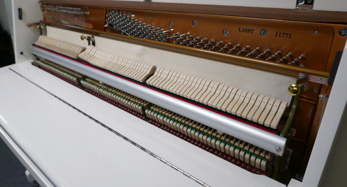 piano vertical König K109 #11771 vista lateral mecanica interior
