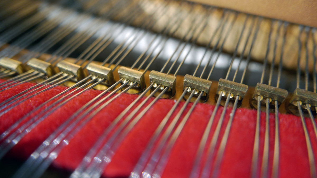 piano de cola nuevo SEMINUEVO. Steinway & Sons M170 Spirio #607508 detalle agrafes interior