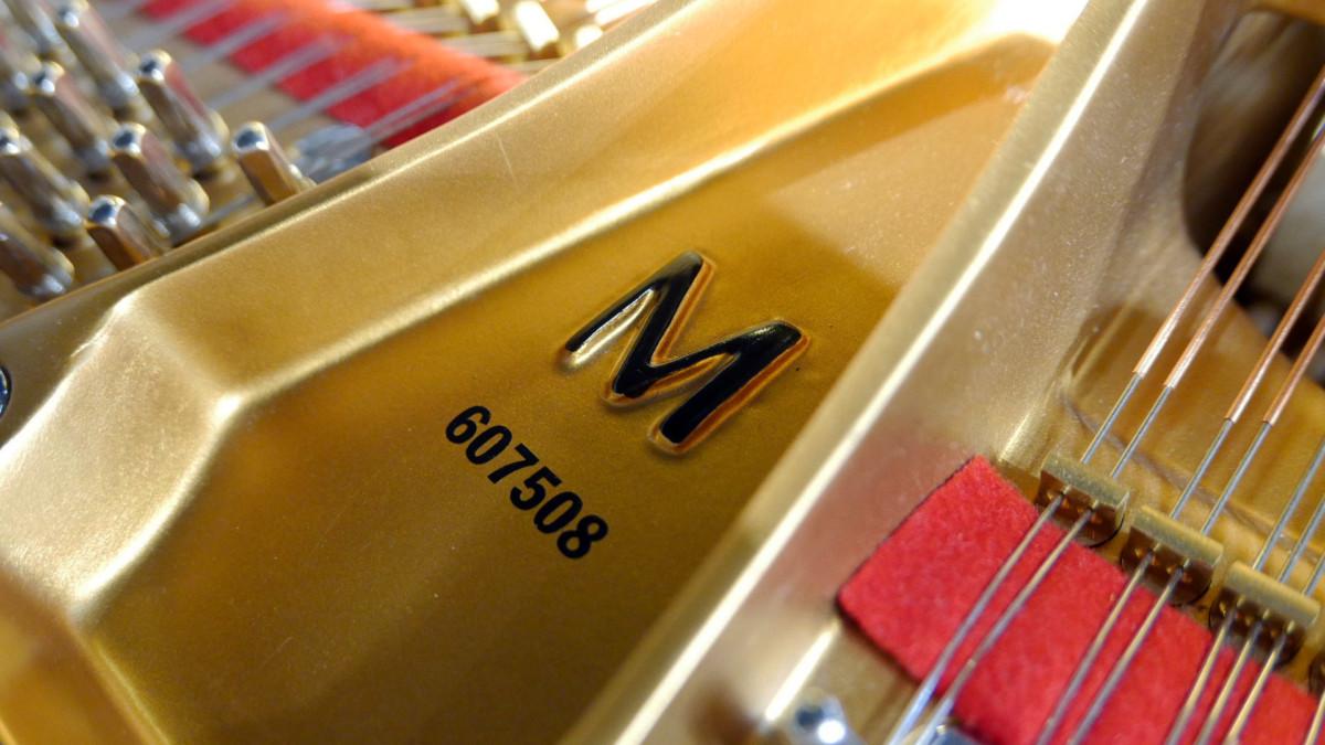 piano de cola nuevo SEMINUEVO. Steinway & Sons M170 Spirio #607508 numero de serie modelo arpa interior