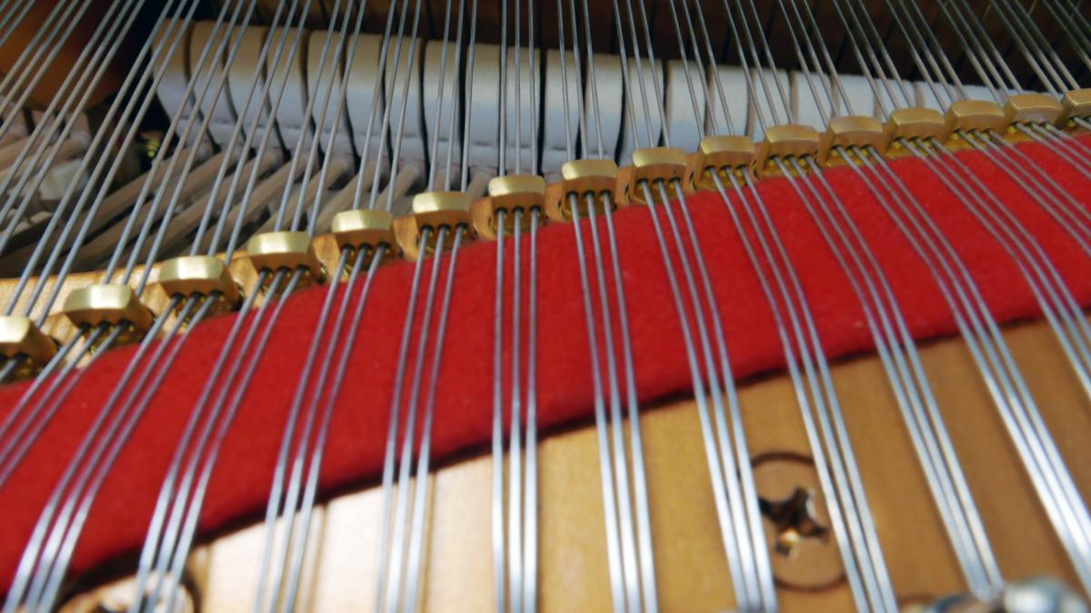 piano de cola Yamaha C7 #5847104 detalle agrafes