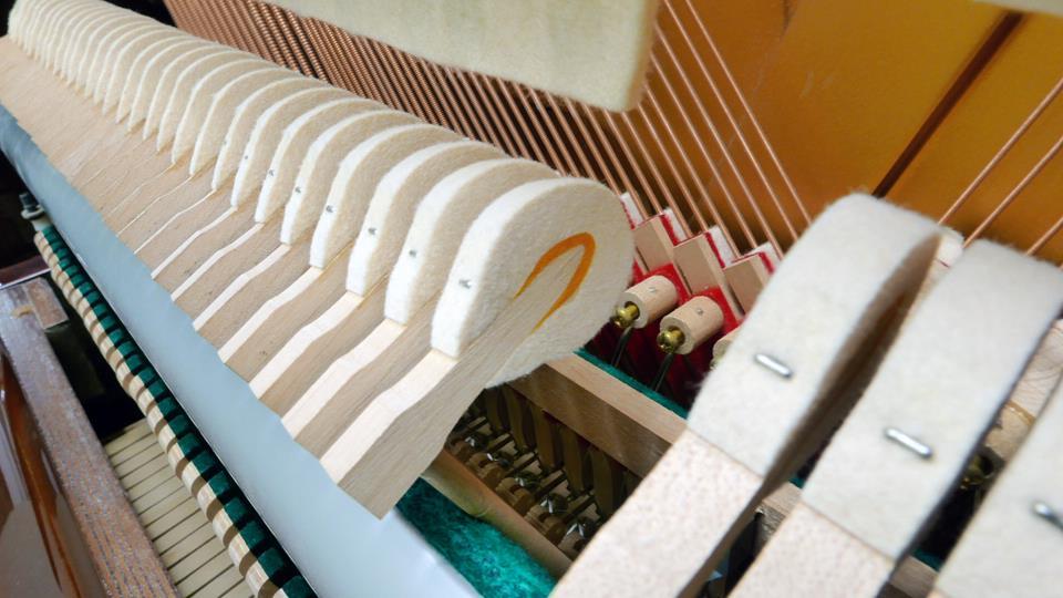 piano-vertical-hohner-hp-122-1530428-detalle-martillos-macillos-martillo-macillo