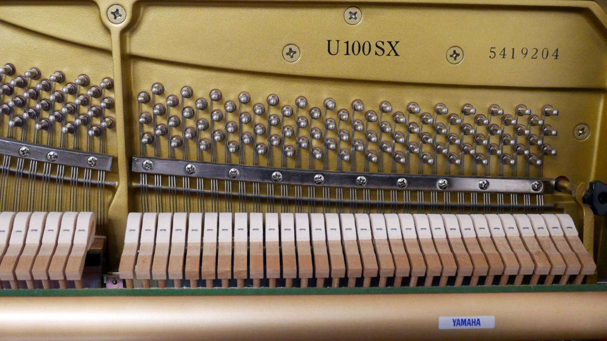 piano vertical Yamaha U100 Silent #5419204 numero de serie modelo mecanica interior martillos clavijero