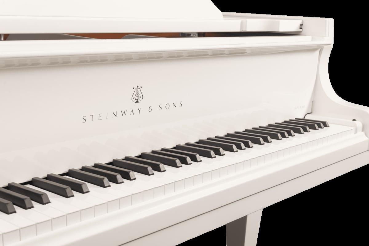 piano de cola Steinway & Sons Spirio O180 Chrome detalle teclado marca