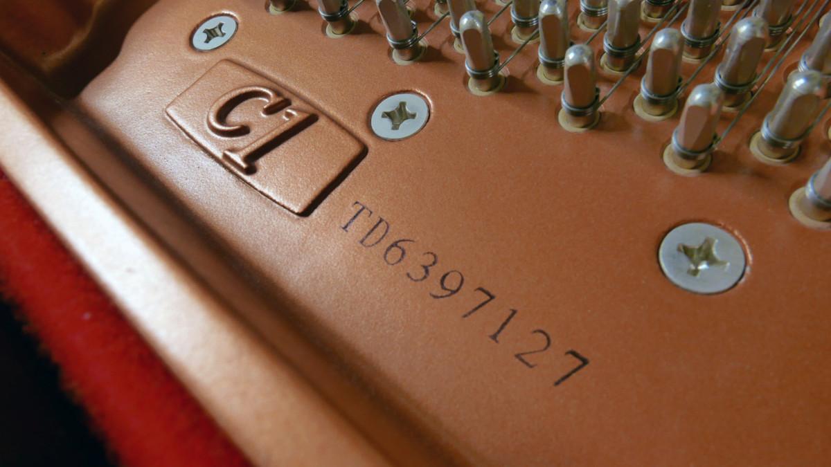 piano de cola Yamaha C1 Silent #6397127 numero de serie modelo