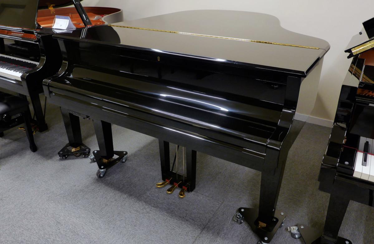piano de cola Yamaha C3X #6366252 vista general tapa cerrada