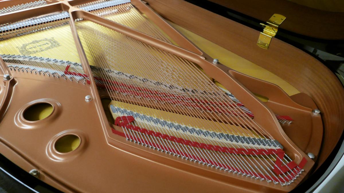 piano de cola Yamaha C3X #6349992 arpa interior vista cenital