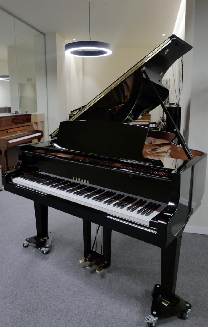 piano de cola Yamaha C5X #6515402 plano general tapa abierta