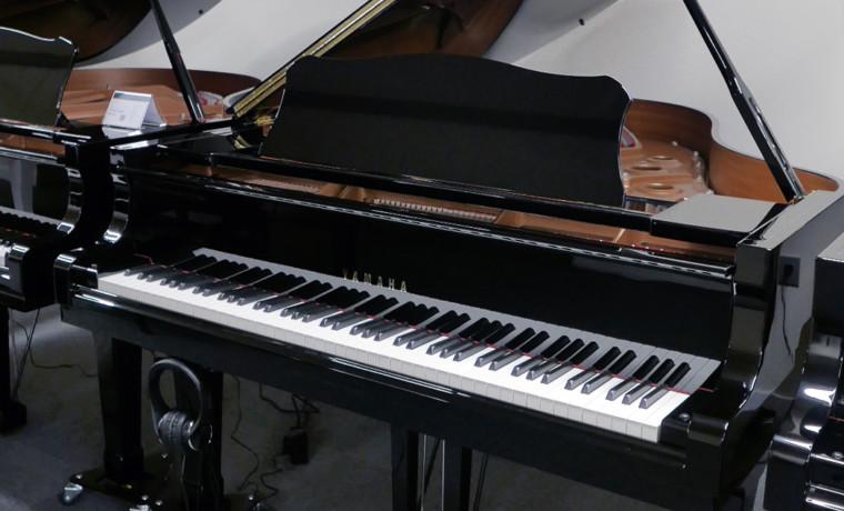 piano de cola Yamaha C3 Silent #5798723 vista general tapa abierta